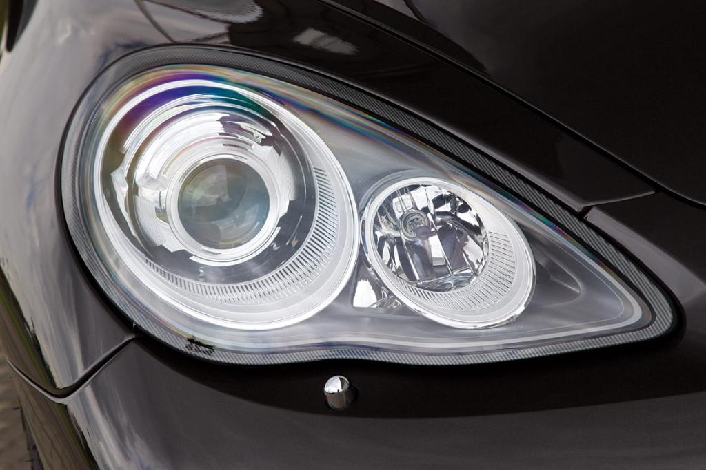 PORSCHE: Panamera headlights