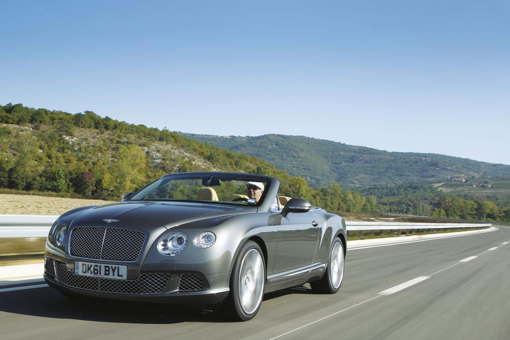 BENTLEY CONTINENTAL GTC: In Action