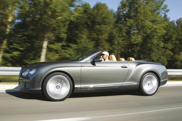 Bentley-Continental-GTC-s_action-g