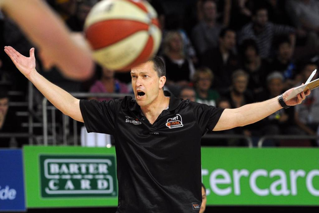 Breakers coach Andrej Lemanis appeals to the referees for a call.