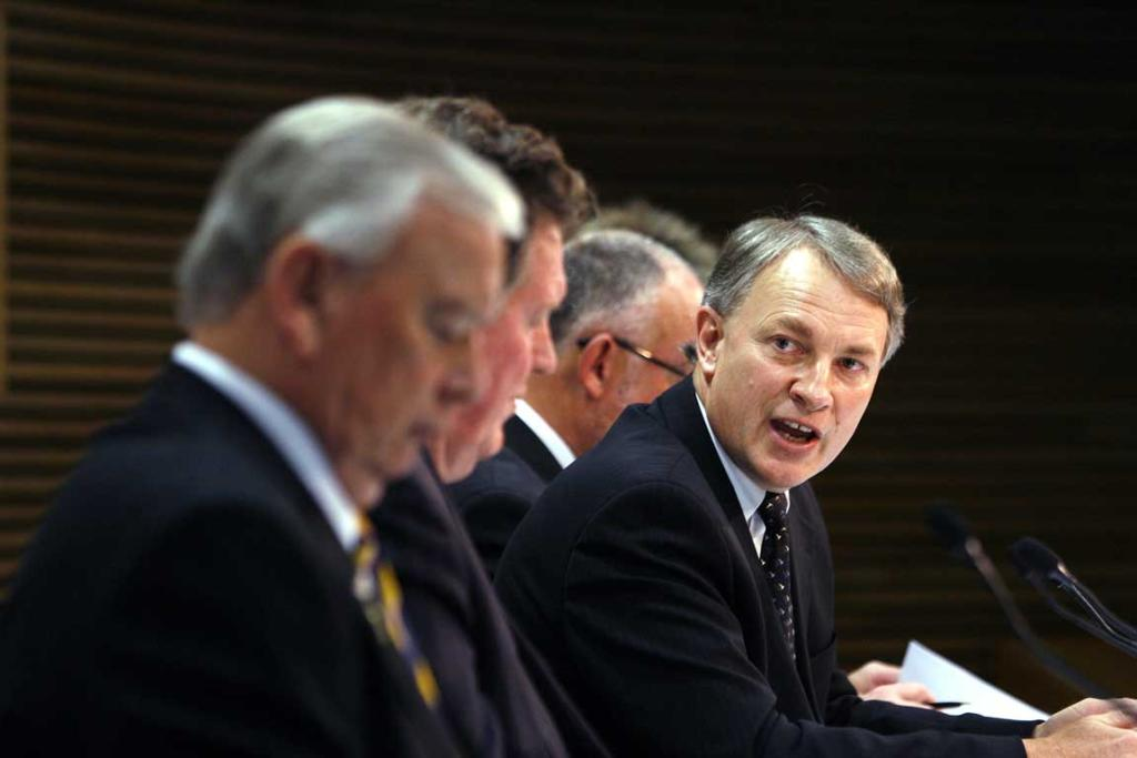 Phil Goff in 2006 at the announcement of the Vietnam veterans agent orange settlement in Parliament.