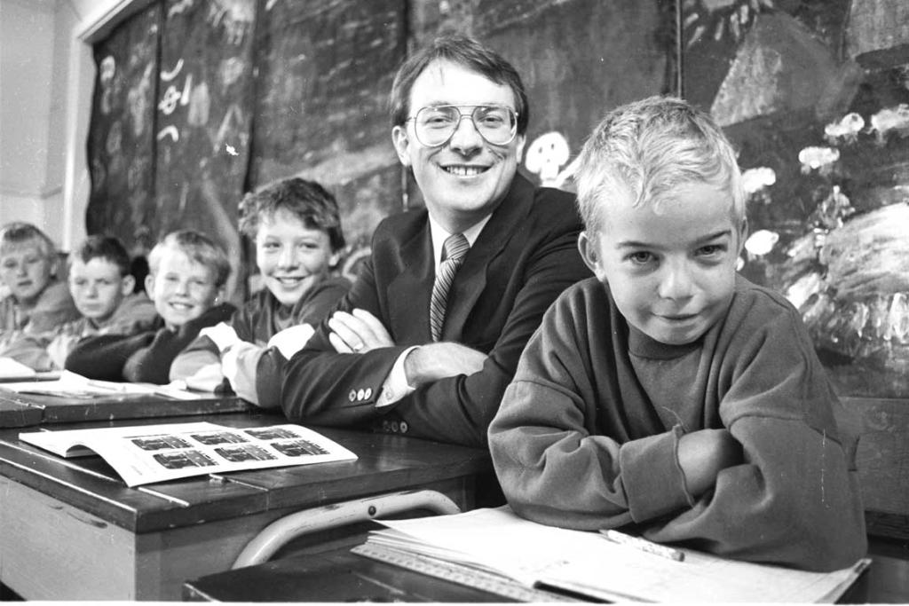 A file photo of Phil Goff checking in on a school.