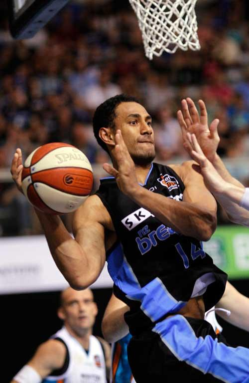 Breakers Mika Vukona in action against the Gold Coast Blaze.