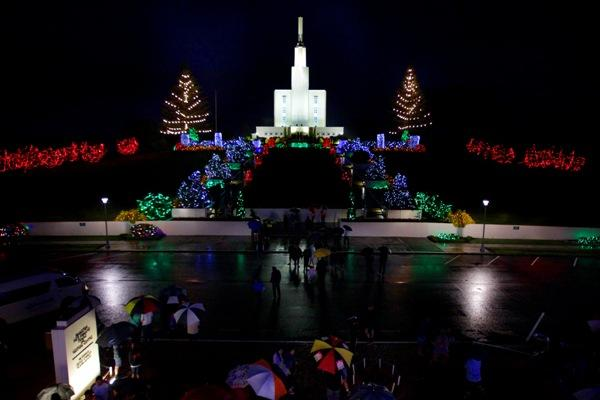 Let there be Christmas light over Hamilton | Stuff.co.nz