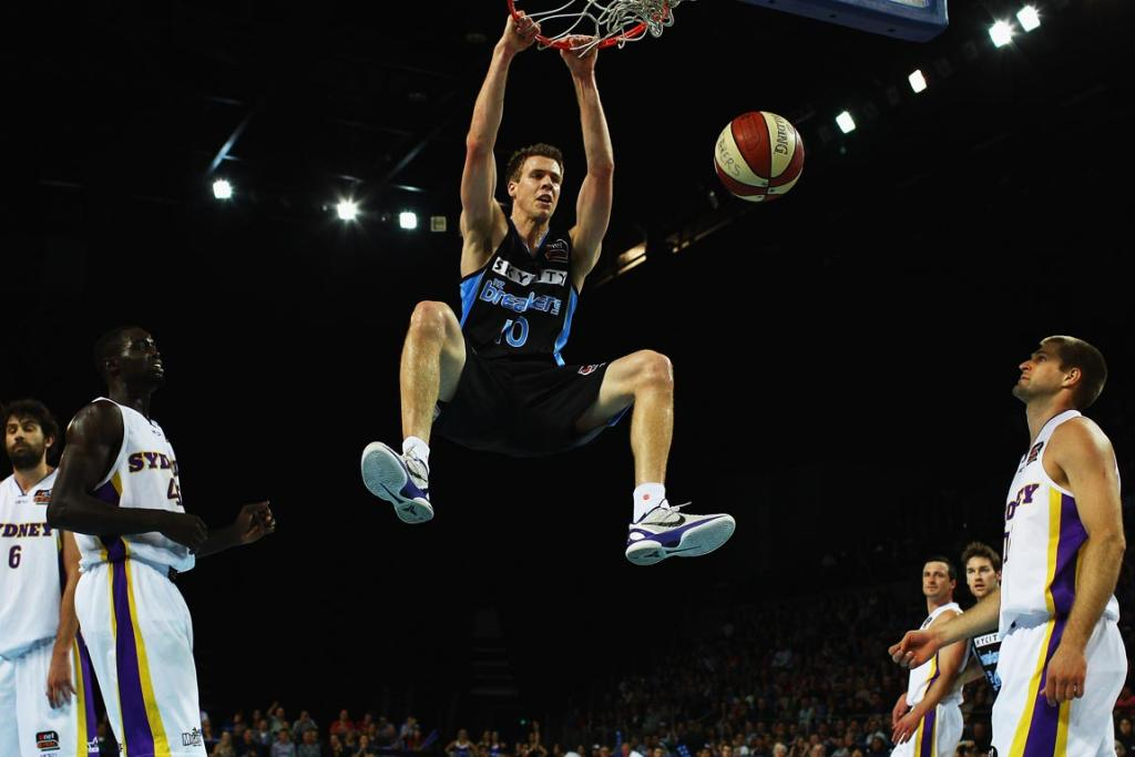 Breakers forward Tom Abercrombie throws down as easy dunk during the first quarter against the Sydney Kings at Vector Arena.