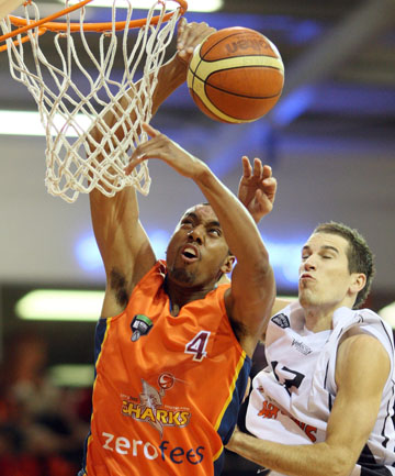 UNLOCKING POTENTIAL: Martin Iti in action last season for the Southland Sharks.