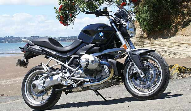 bmw r1200r is close to perfection. Black Bedroom Furniture Sets. Home Design Ideas
