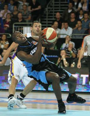 Breakers at Vector Arena