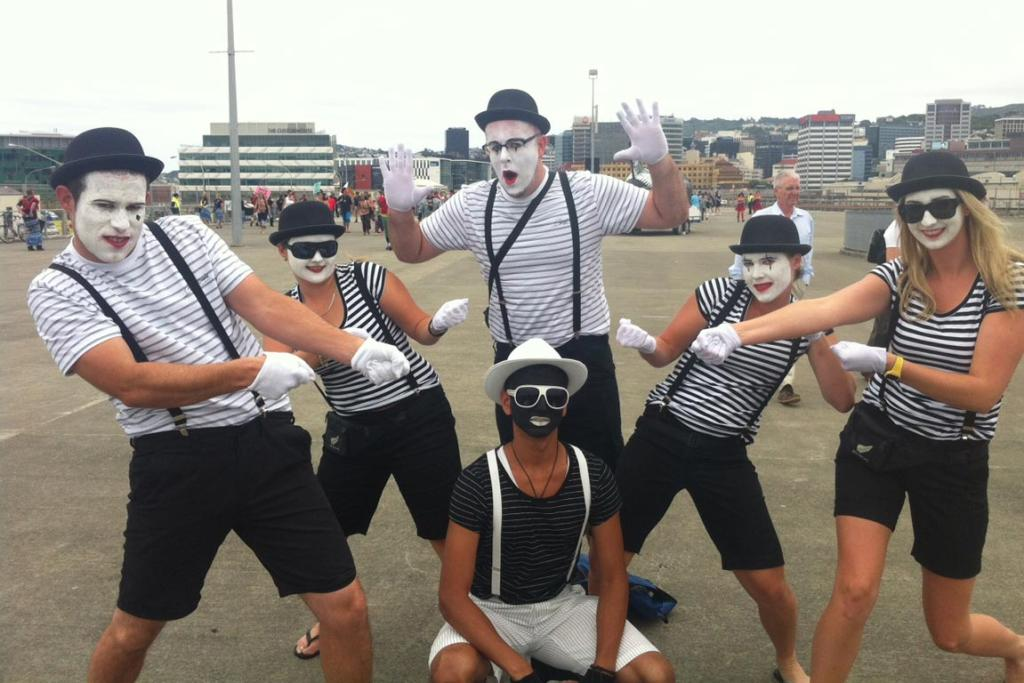 Mimes from Auckland.