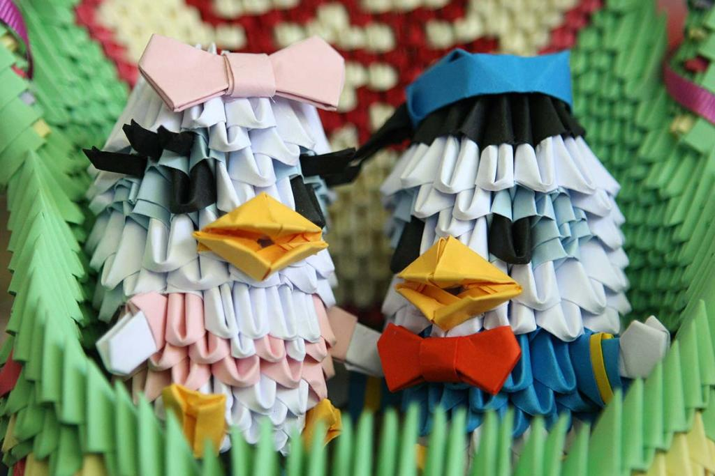Online Origami Earns Fame Stuff