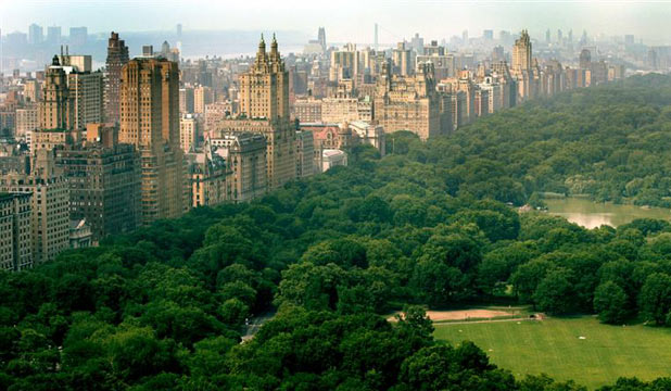New York's Central Park and to the left Central Park West where a penthouse apartment has sold for a whopping NZ$105.3 million.