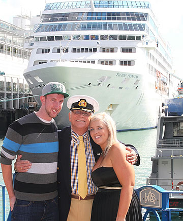 The Love Boat Cruises Into Town Stuffconz - Love boat cruise ship