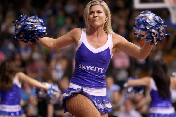 Breakers cheerleaders