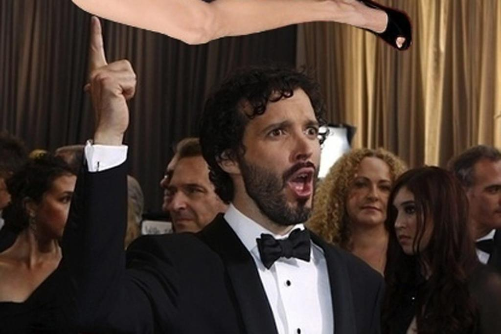 Bret McKenzie and Angelina Jolie's right leg