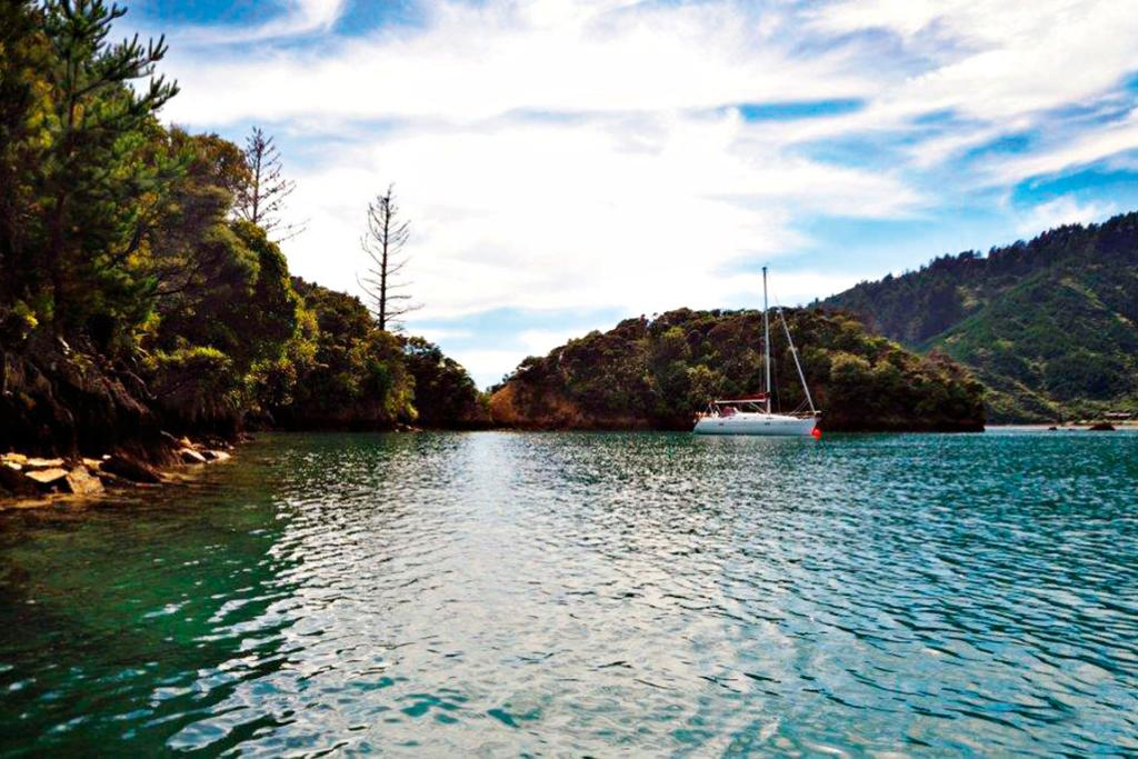 Boating's top 10 anchorages