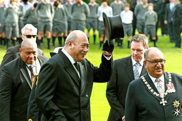 Tupou V at a 2011 state ceremony held at Government House in Wellington, pictured here with then-Govenor General Sir Anand Satyanand.