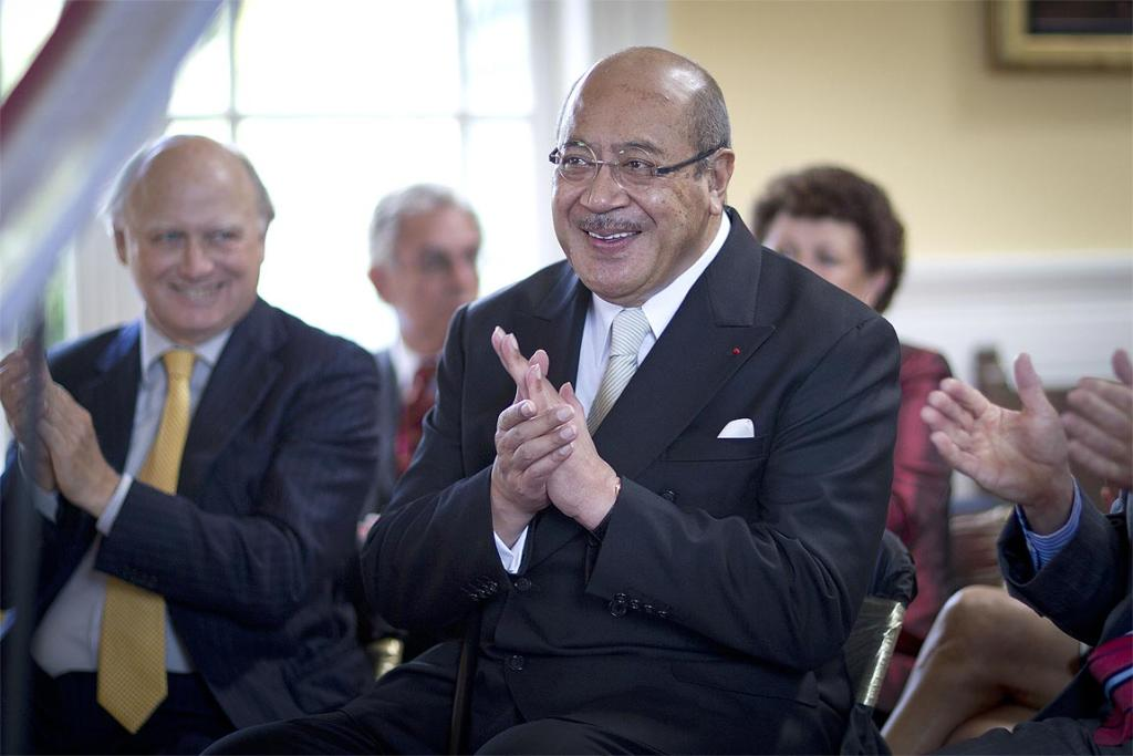 The king hosted a luncheon at Cotter House in Remuera in 2011 to honour teachers and a nurse from his time as a boarder at King's College.