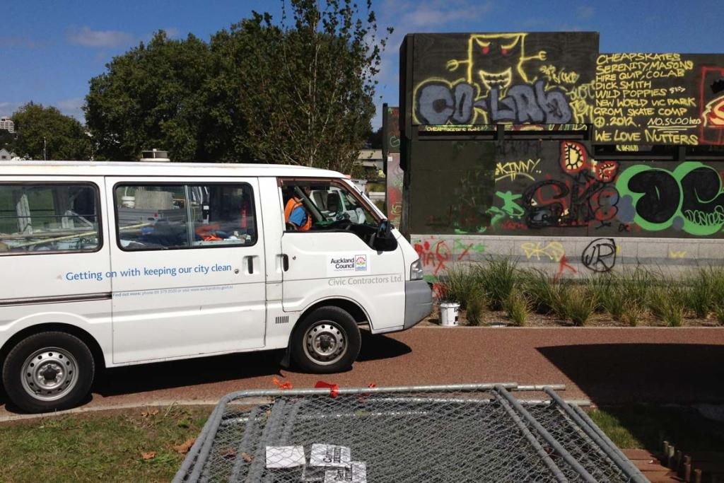 An Auckland Council contractor arrives at Victoria Park skate park to begin the clean up.
