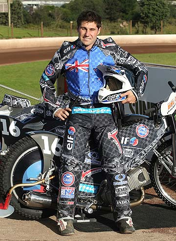 NEW LOOK: Flying Kiwi Jason Bunyan has unveiled his new-look ahead of taking on the world's best at Western Springs.