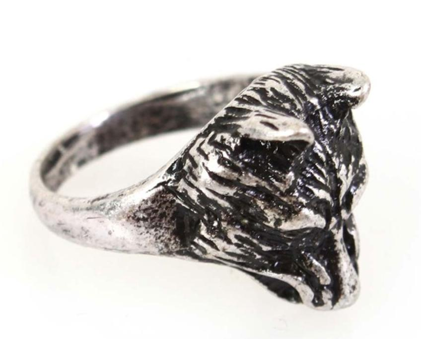 Silver ring, $19.90 from Lippy. Dog? Fox? Whatever it is, it's very cute. And totally affordable!
