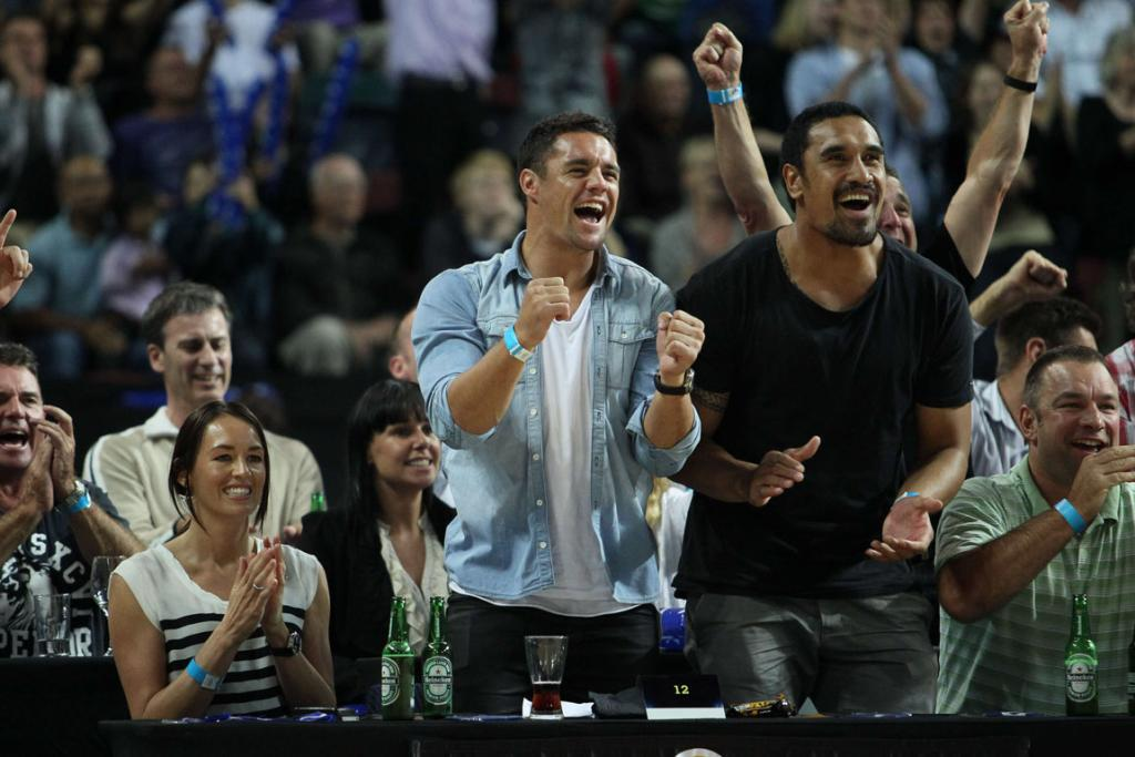 Dan Carter and Jerome Kaino show their support for the NZ Breakers.