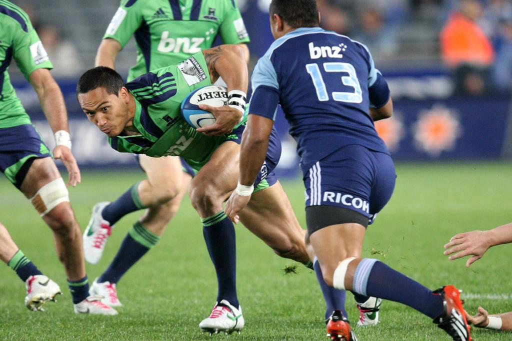 Highlanders left wing Hosea Gear in action against the Blues.