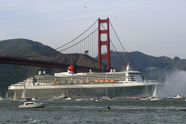 The Queen Mary 2 moves beneath the Golden Gate Bridge as it enters a harbour in San Francisco, California, in February, 2007.