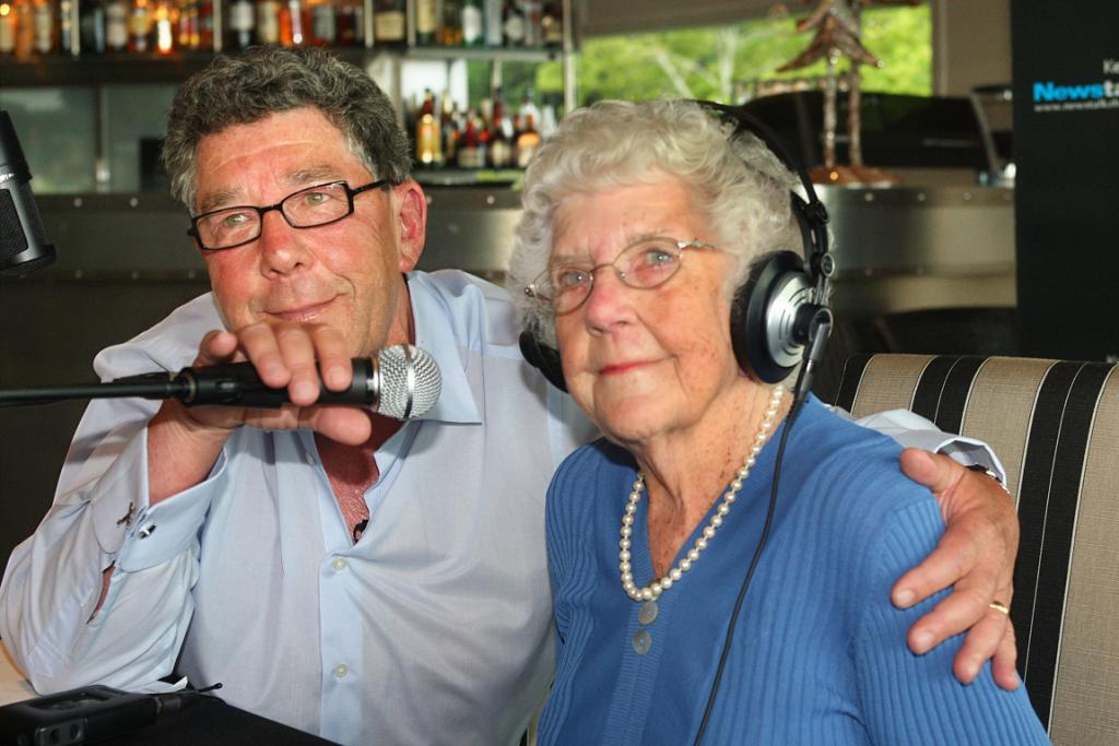 Broadcaster Paul Holmes signs off from his radio breakfast show for the last time, with his mother Chrissie.