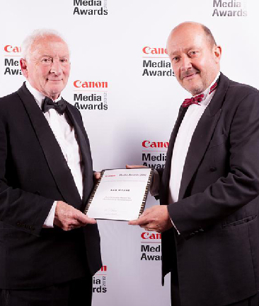 HONOURED: Ian Grant (left) with Newspaper Publishers' Association of New Zealand chief executive Tim Pankhurst at the Canon Media Awards. Mr Grant was presented with the Print Industry 2012 Outstanding Achievement Award.