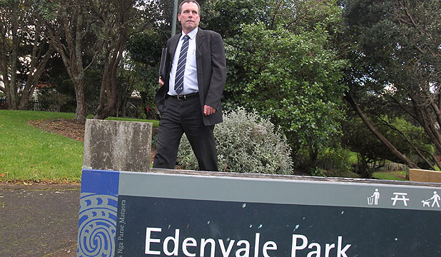 ON THE SCENE: Detective Inspector Scott Beard at Edenvale Park, Mt Eden, where the suspects were thought to have absconded after abandoning their car.