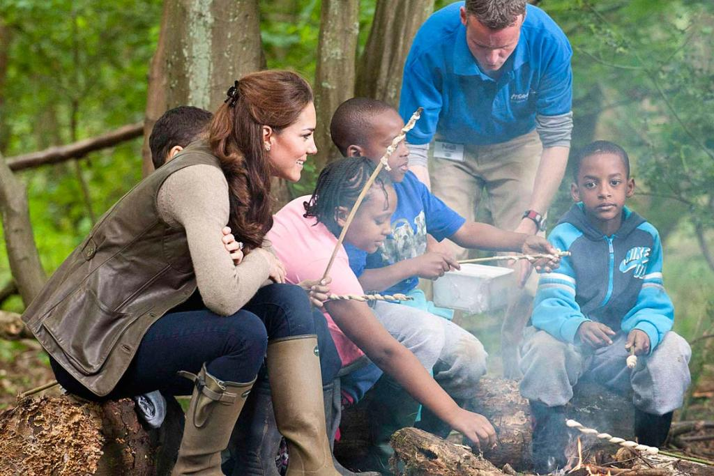 Kate Middleton with kids in country
