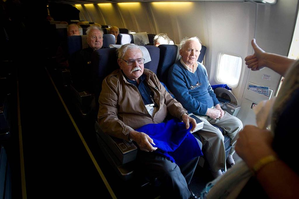 WWII airmen bound for London