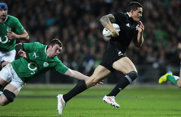 Sonny Bill Williams on way to scoring his first try.