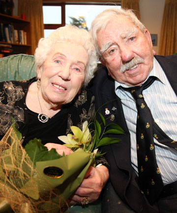 SERIOUS DEVOTION: Vera and Martin McAtear celebrate their 65th wedding anniversary at Walmsley House in Invercargill yesterday.