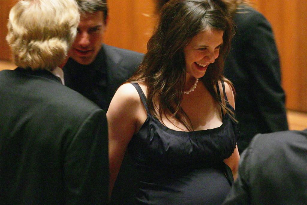 Holmes in February 2006, two months before giving birth.