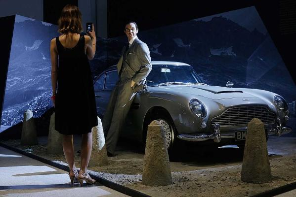 James Bond expo