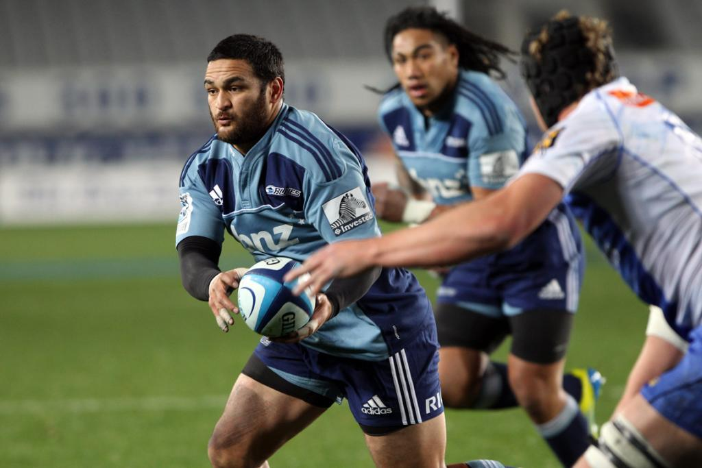 Piri Weepu in action against the Force.