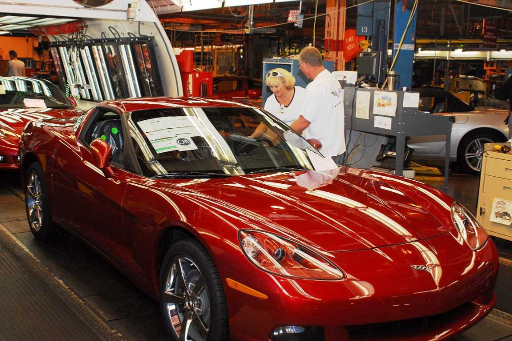 When customers order a Corvette from a dealer, they can choose to take delivery of it at the US National Corvette Museum. While in Bowling Green, Kentucky, they are often treated to a tour of the assembly plant and might get the opportunity to be the first person to start a brand new Corvette!