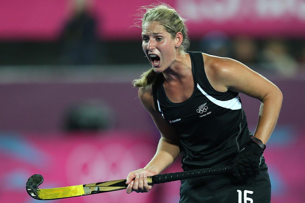 New Zealand's Clarissa Eshuis misses a shot at goal against Argentina at the London Olympics.