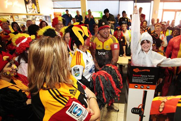 Gallagher best dressed fan day judged by Waikato Chiefs Coach Dave Rennie and Richard Kahui