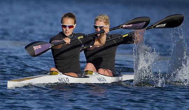 Kiwi kayakers Lisa Carrington and Erin Taylor.