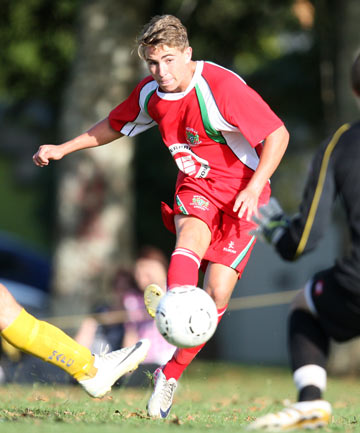 THROUGH THE GAP: Tyler Boyd goes for goal while playing for Melville United against Onehunga Sports earlier this year.