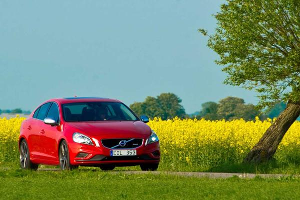 Volvo S60: Commended and scored as good, in the new IIHS test.
