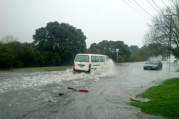 Heavy rain floods auckland streets for 3 kitchener road takapuna