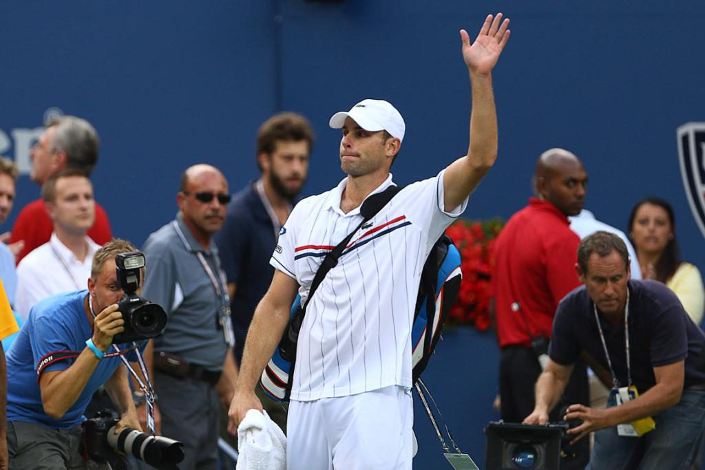 Andy Roddick makes his final farewell at Flushing Meadow after his loss to Juan Martin del Potro.