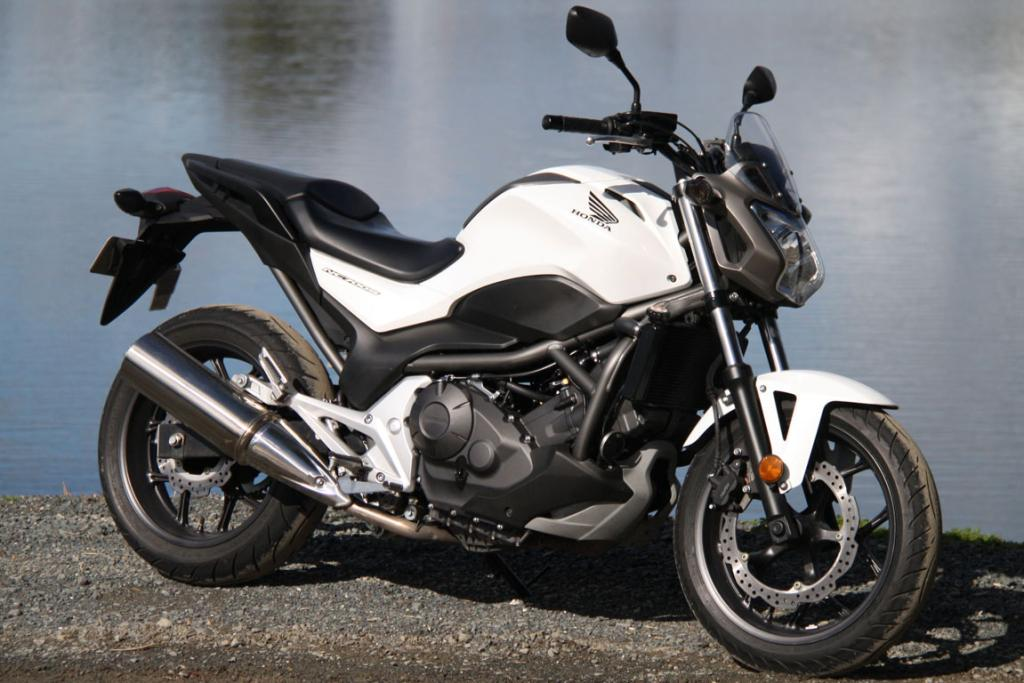 Honda NC700S: It might lack the classic lines of Triumph and Guzzi twins, but it has similar engine characteristics.