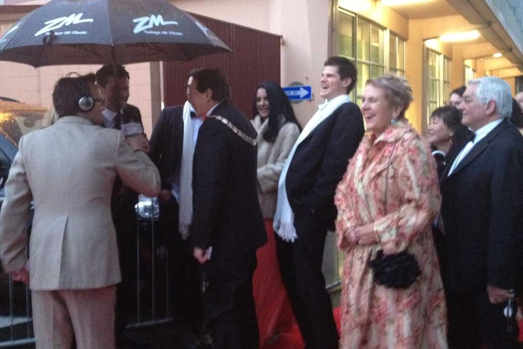 Invercargill mayor Tim Shadbolt and other southern dignitaries arrive.