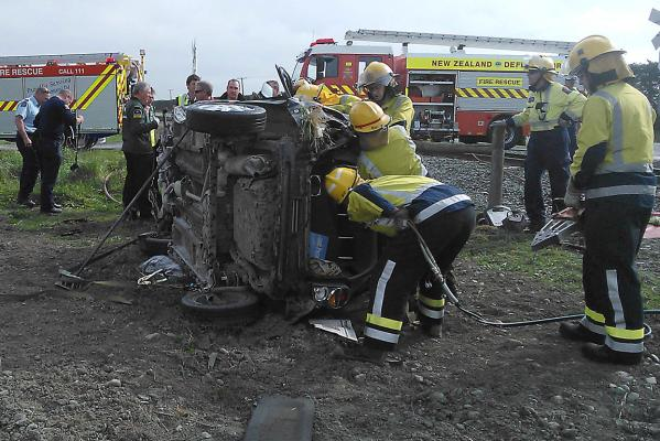 Dunsandel crash - rescue of trapped driver
