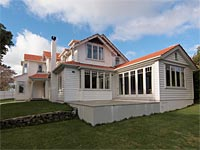 S&R Residential's Karori house, awarded PlaceMakers Supreme Renovation of 2012.