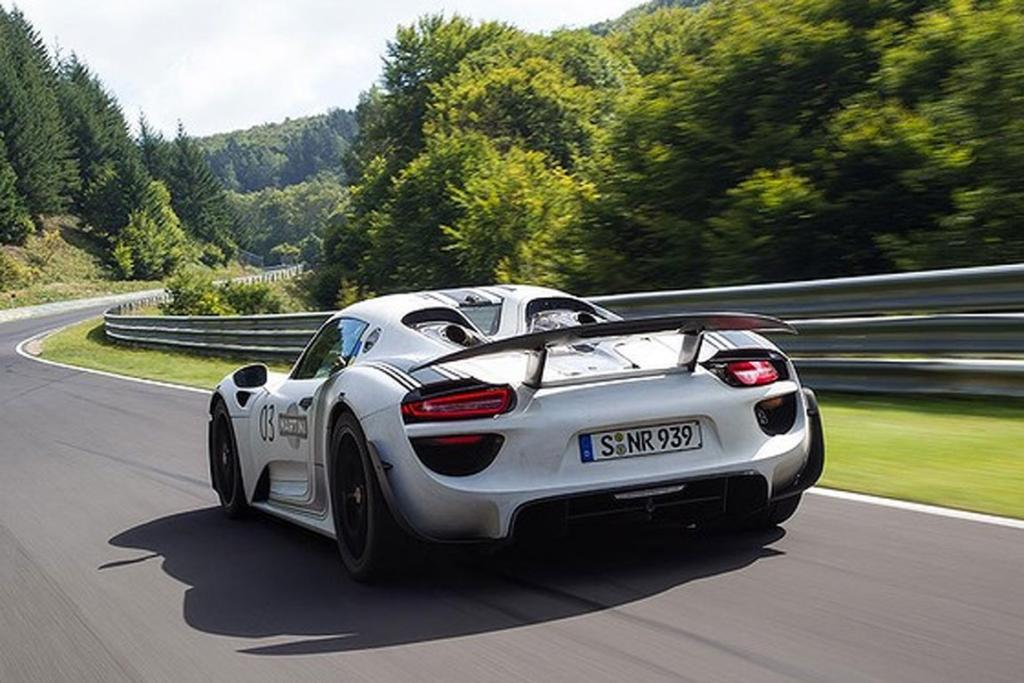 The Porsche 918 doing the Nurburgring lap.